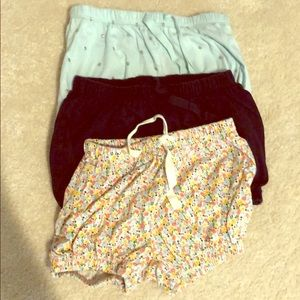Lot of Hardly worn gap girls bubble shorts